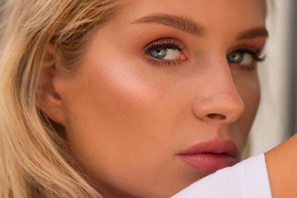 Eyelash Extensions on Lottie Moss
